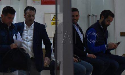 Nueva suspensión del juicio entre el consejero Ramos y el policía Pérez