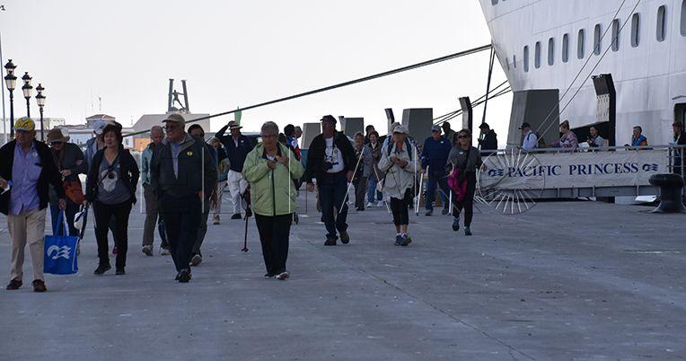 Los comerciantes se quejan de las excursiones de los turistas de cruceros a Marruecos