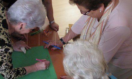 Sanidad destina 22.500 euros a tres talleres para el colectivo de mayores