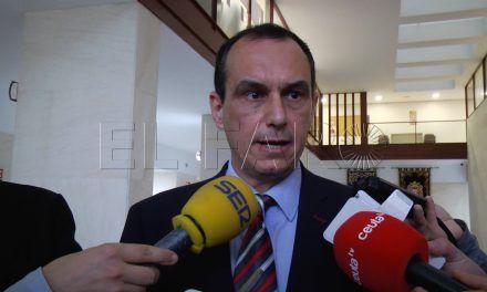 El PSOE valora no acudir a más plenos si no hay disculpa formal de Carreira