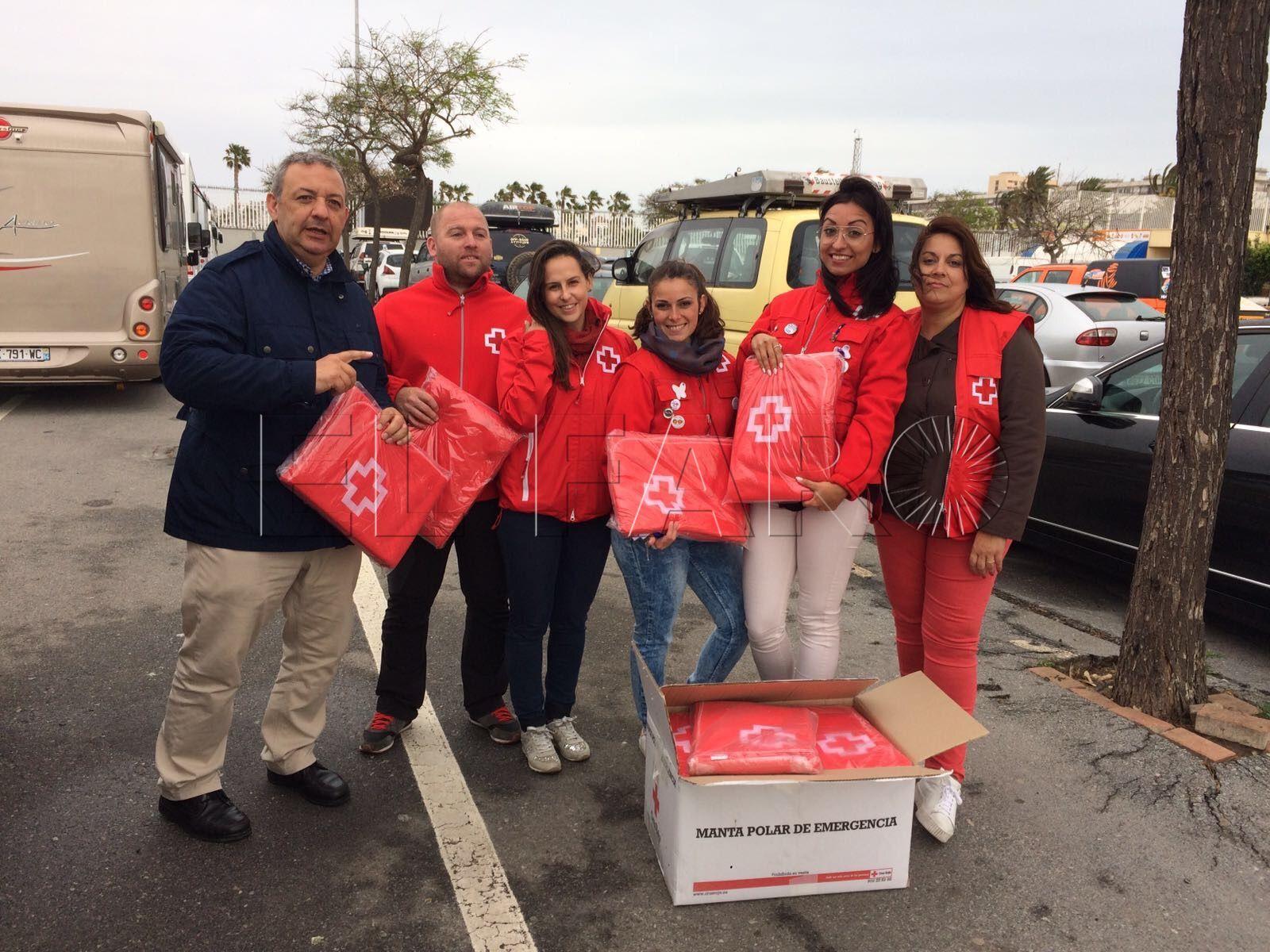 El voluntariado de Cruz Roja atendió a las personas bloqueadas en Ceuta por el temporal