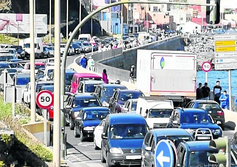 Marruecos ralentiza entradas y salidas por la frontera