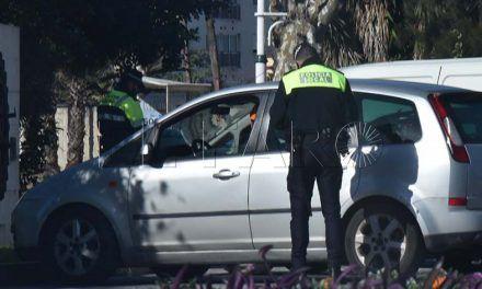 La Policía Local denunció el pasado abril 15 vehículos como 'taxis piratas'