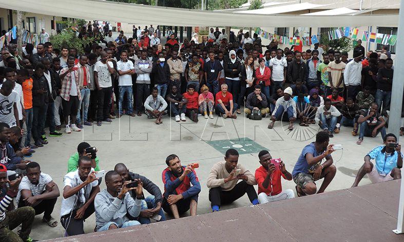 El CETI celebra un Día de África 'blindado' a periodistas