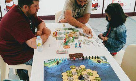 Taller de juegos de mesa con 'El Solitario' en la Feria del Libro