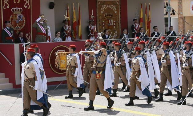 Regulares de Ceuta desfilan en Guadalajara por el Día de las Fuerzas Armadas