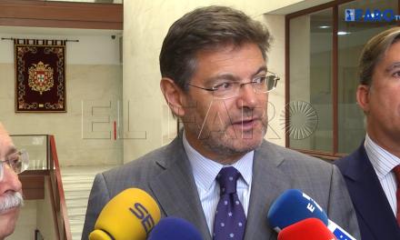 Catalá trasladará a Madrid los problemas de la frontera de Ceuta