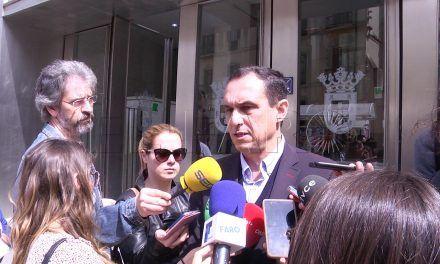 El PSOE exige a Vivas que actúe ante el enfrentamiento entre Carreira y Miaja