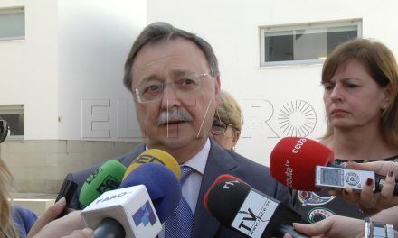 Vivas denuncia un fraude masivo en las importaciones que llegan a Ceuta