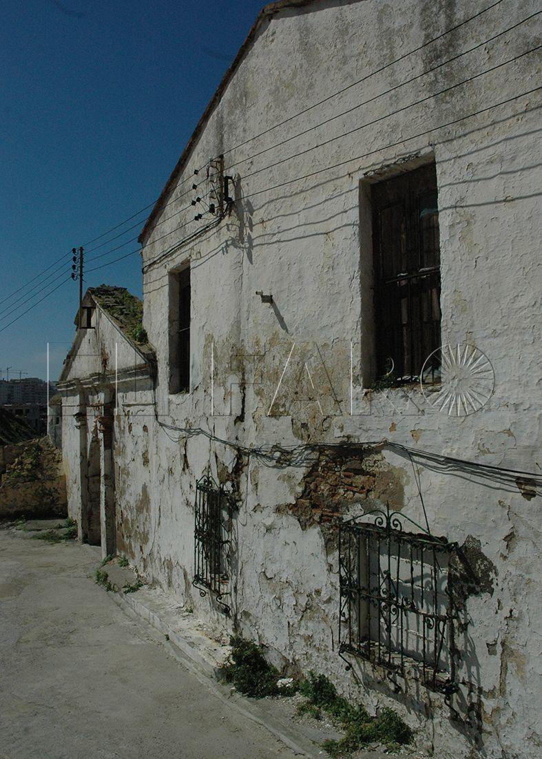 El retraso en la escuela taller del SEPE congela la rehabilitación del castillo de San Amaro