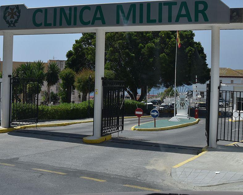 Los vigilantes de la Clínica Militar siguen sin cobrar el sueldo de mayo