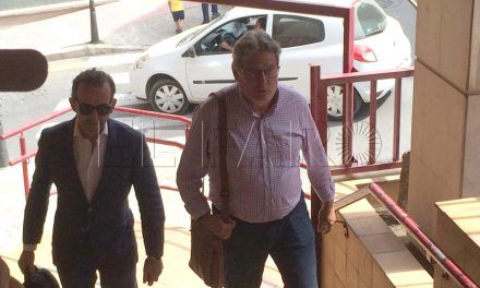 Carreira acude al juzgado por el caso del depósito de vehículos de Benzú