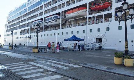 Turismo perfecciona la atención al visitante de cruceros