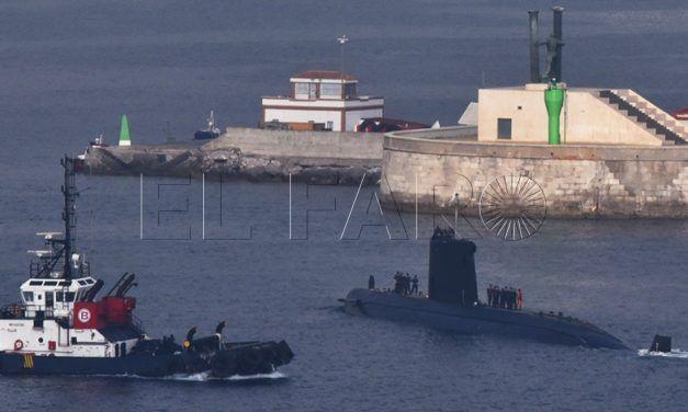 Un submarino y dos fragatas de la Armada recalan por un ejercicio