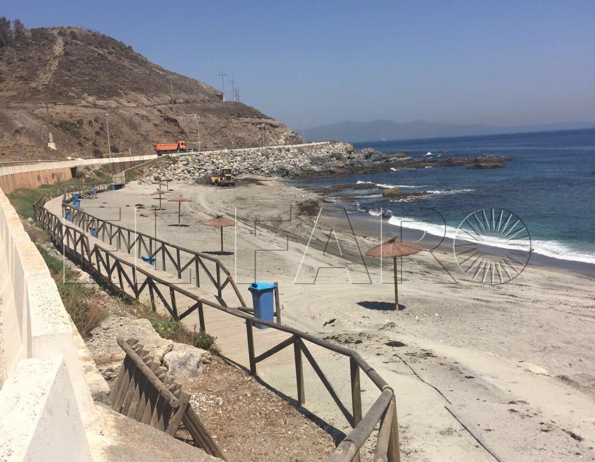 La Ciudad activa un teléfono para informar de daños en las playas
