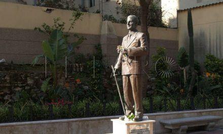 Caballas quiere cambiar la placa de la estatua de Sánchez Prado