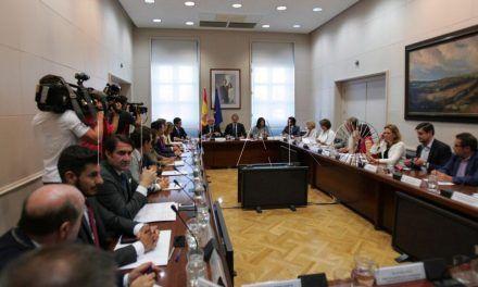"""El ministro de Fomento traslada al consejero su propósito de visitar Ceuta """"pronto"""""""