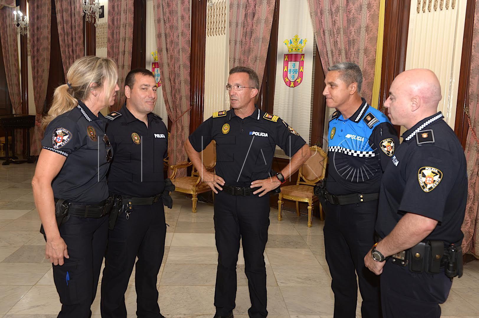 Cuatro agentes de la Policía Local firman su adscripción a la nueva Unidad de Violencia de Género