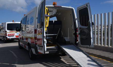 """Una anciana espera """"más de ocho horas"""" para su traslado en ambulancia a su domicilio"""