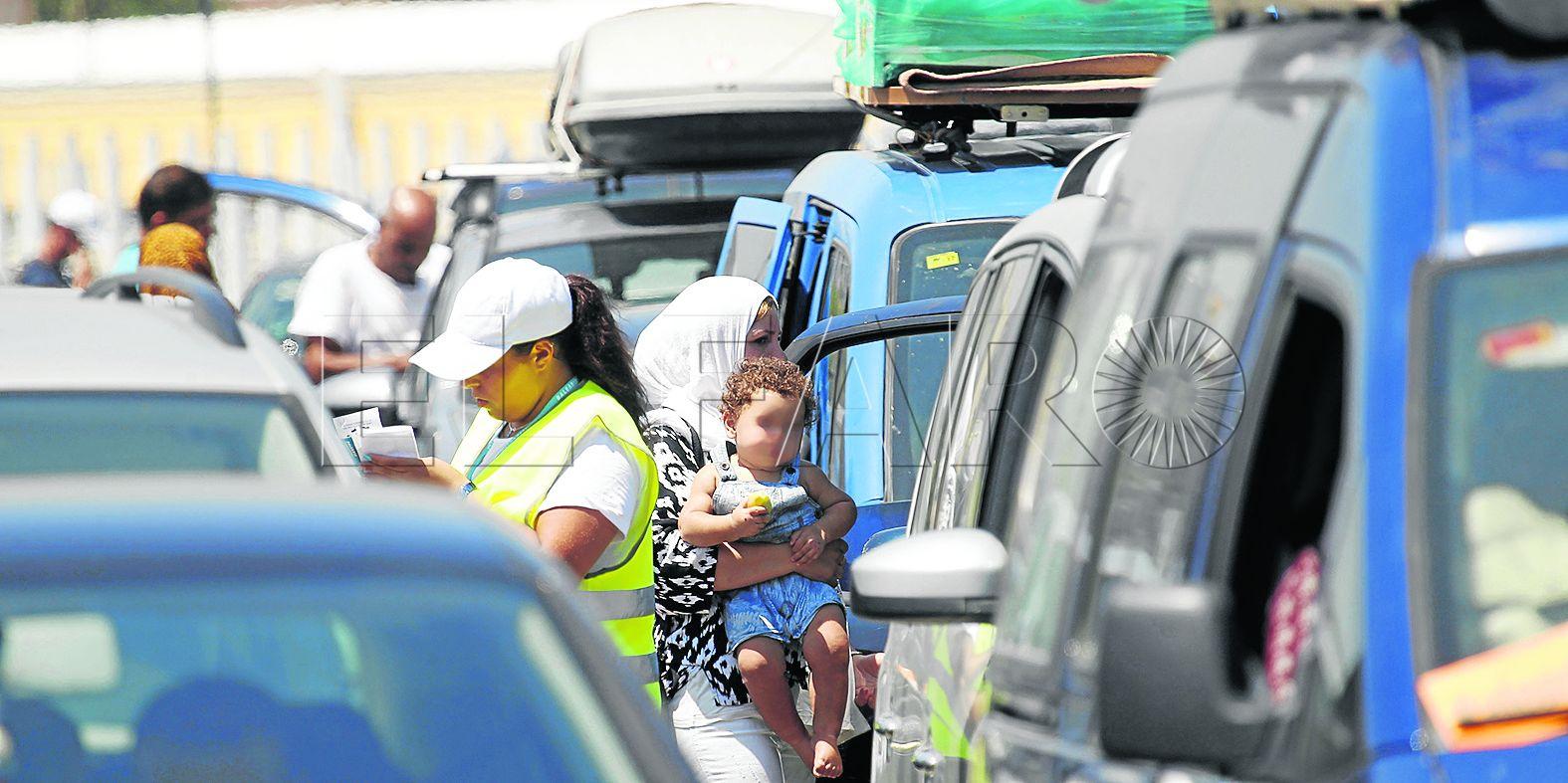 La fuga de los vehículos a Tánger