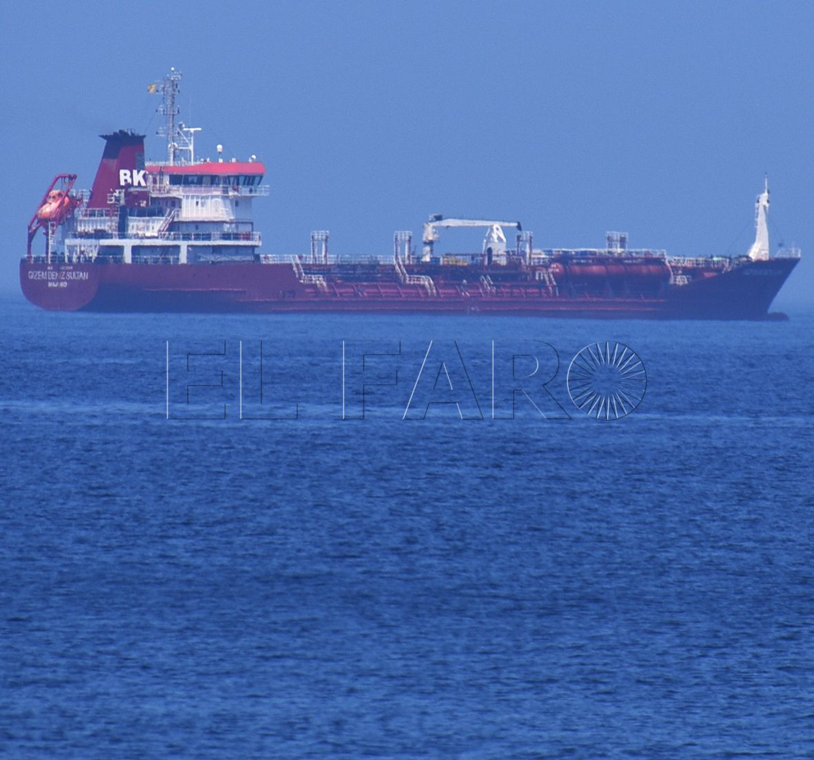 Petrolero, de vuelta a Ceuta