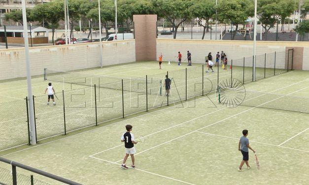 El pádel y tenis no descansan