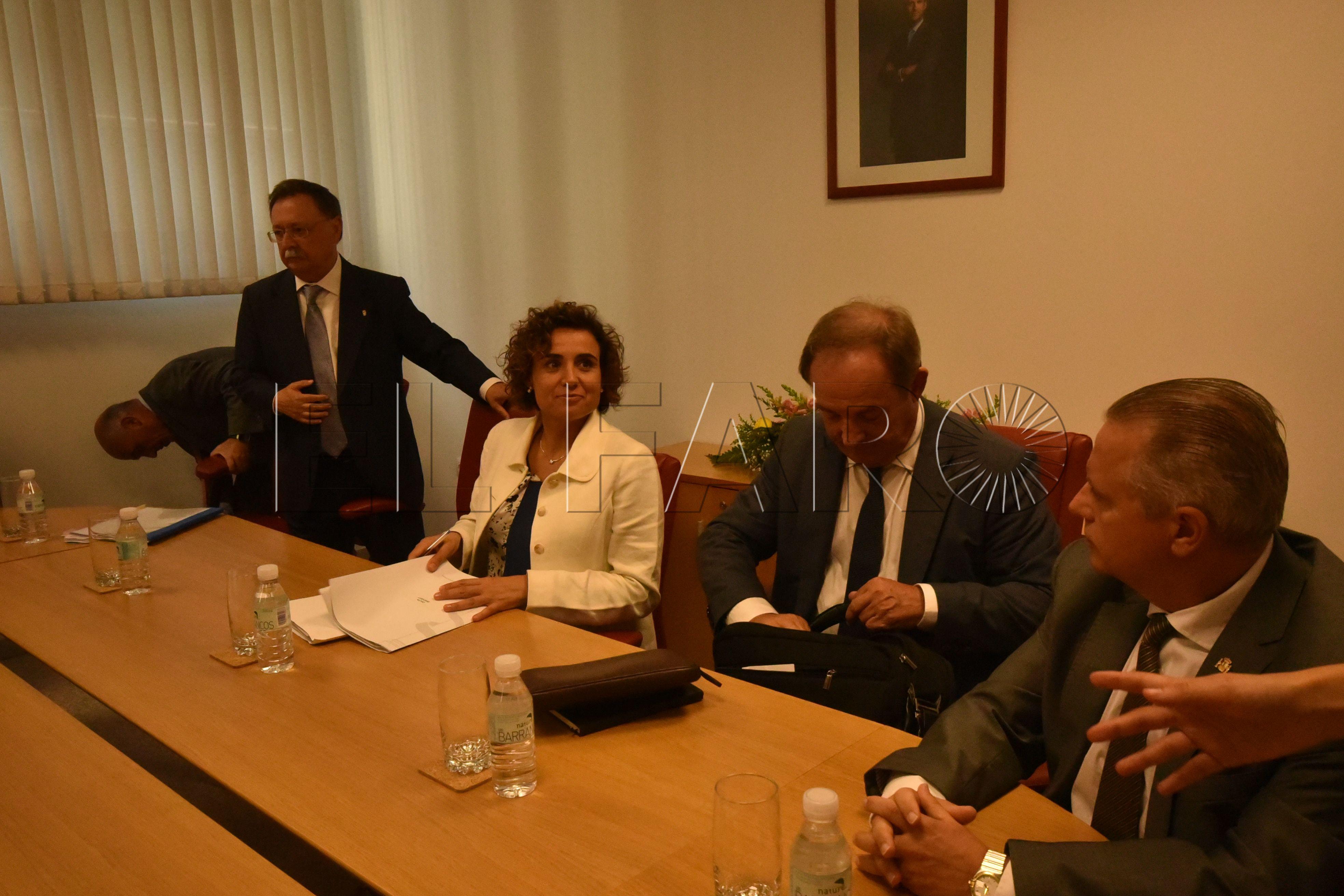 """Caballas dice que la ministra de Sanidad viajó a Ceuta """"para hacer propaganda"""""""