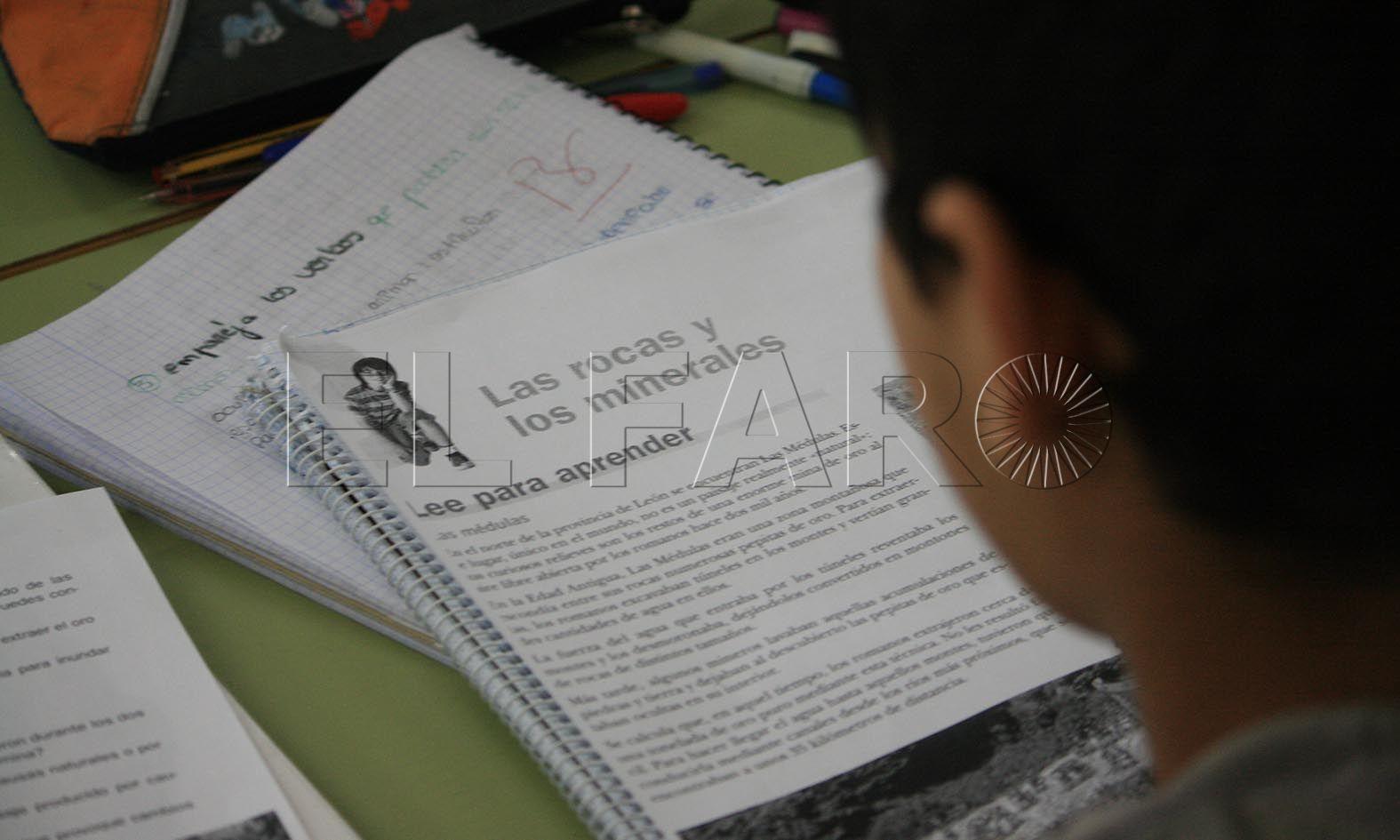 Educación abre la convocatoria para  ayudas al estudio por 642.000 euros
