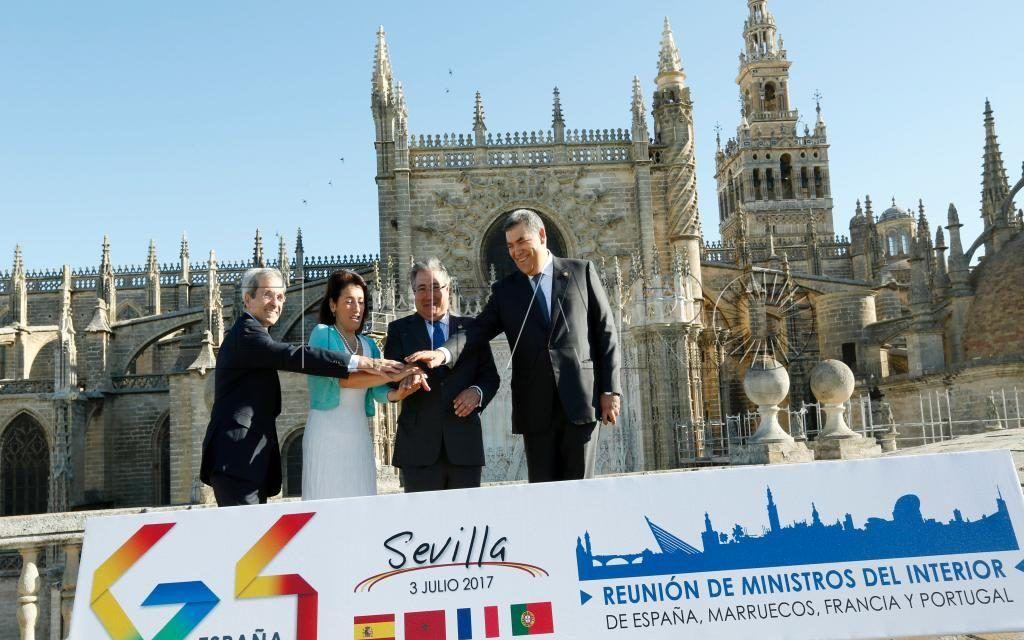 Fortalecer la cooperaci n objetivo com n de espa a for Ministros interior espana