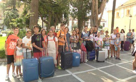40 niños parten hacia el campamento infantil en Miguel de Luque