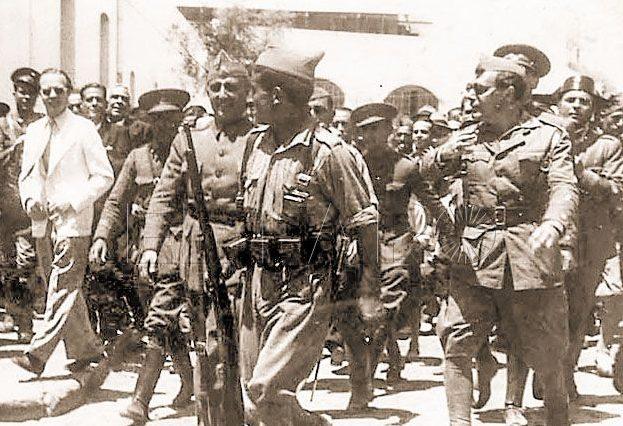 Medalla de oro y brillantes para Franco