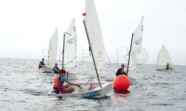 A. Cózar y Jorge Benítez ganan la regata de clase 'Optimist'