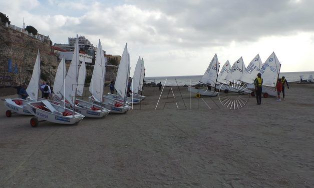La 'III Regata Ceuta Sí' para la clase optimist se celebra durante el fin de semana