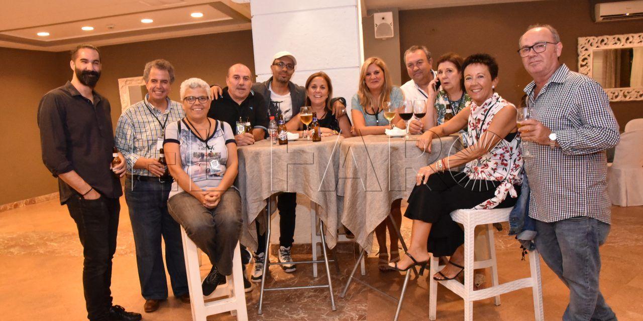 Cena de bienvenida a los participantes en el congreso nacional de fotografía
