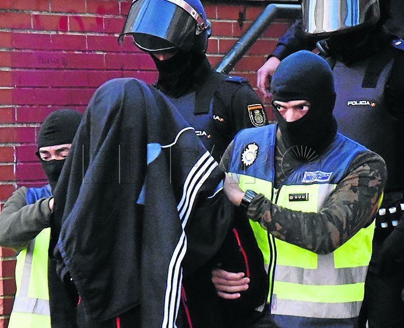 Captación, enaltecimiento y relación con banda: la acusación al yihadista