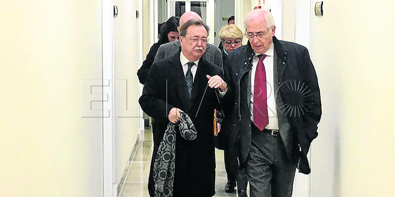 Ceuta y Melilla estudian implantar una línea de helicóptero interinsular