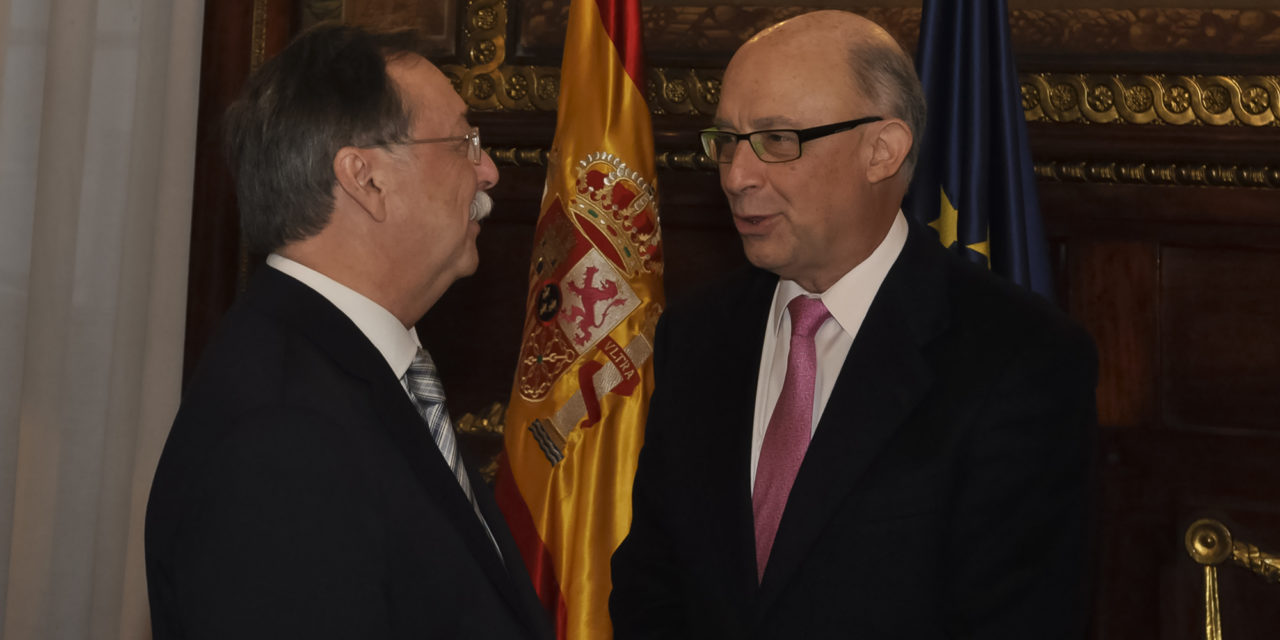 Ceuta trata con Montoro elevar la bonificación al 60%