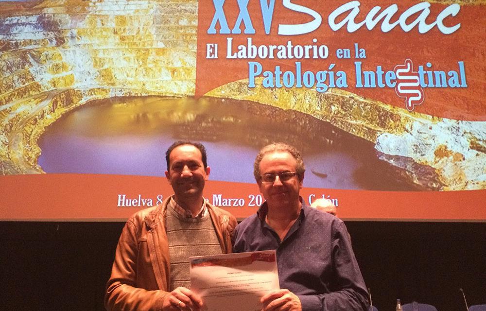 El doctor Jacobo Díaz Portillo obtiene un premio por su investigación en el cáncer de mama