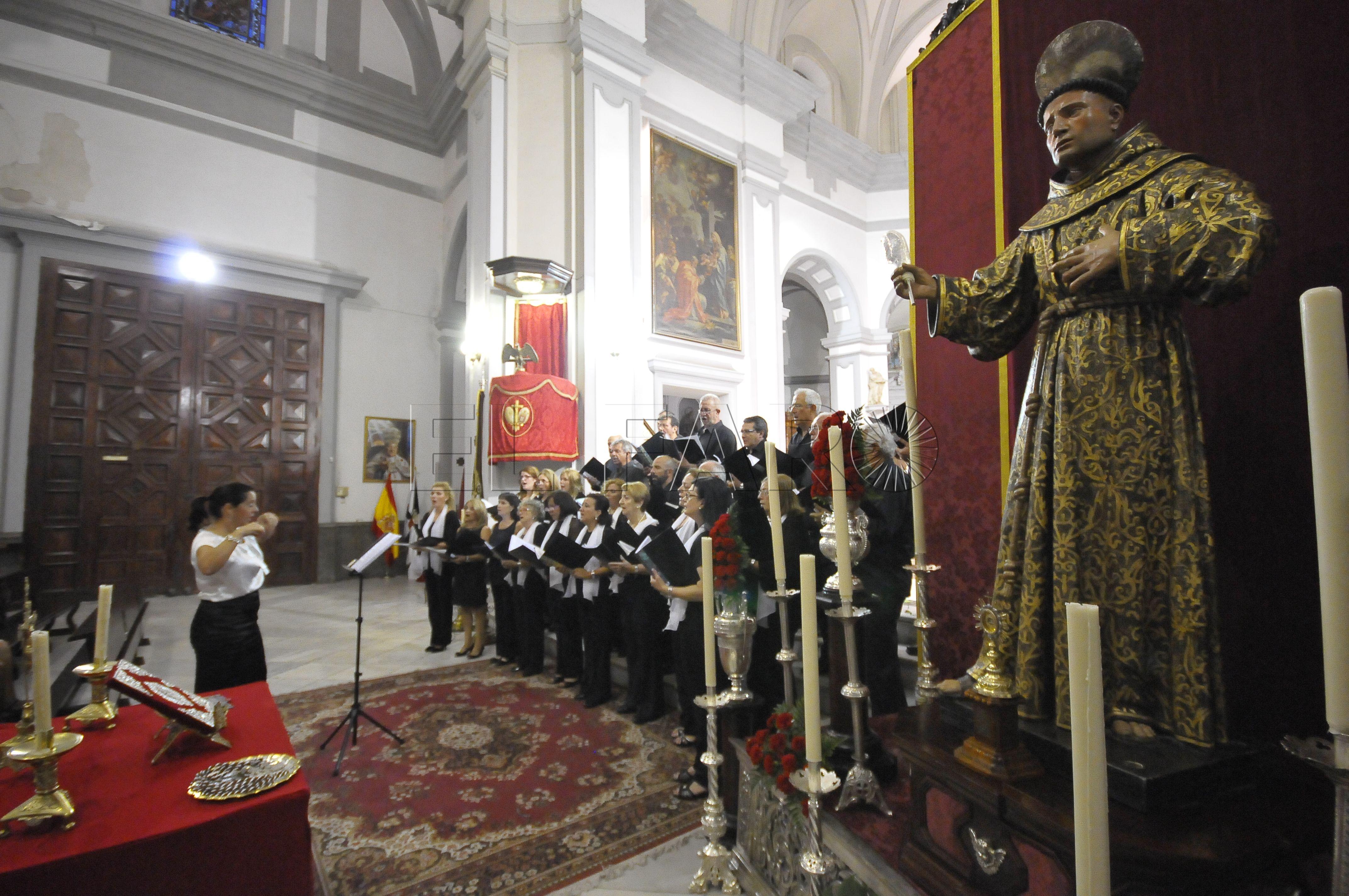 interior-coro-catedral-ceuta