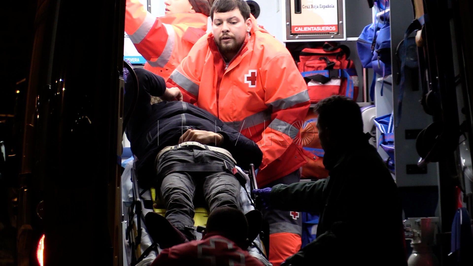 Inmigrante-rescatado-guardia-civil- Ambulancia
