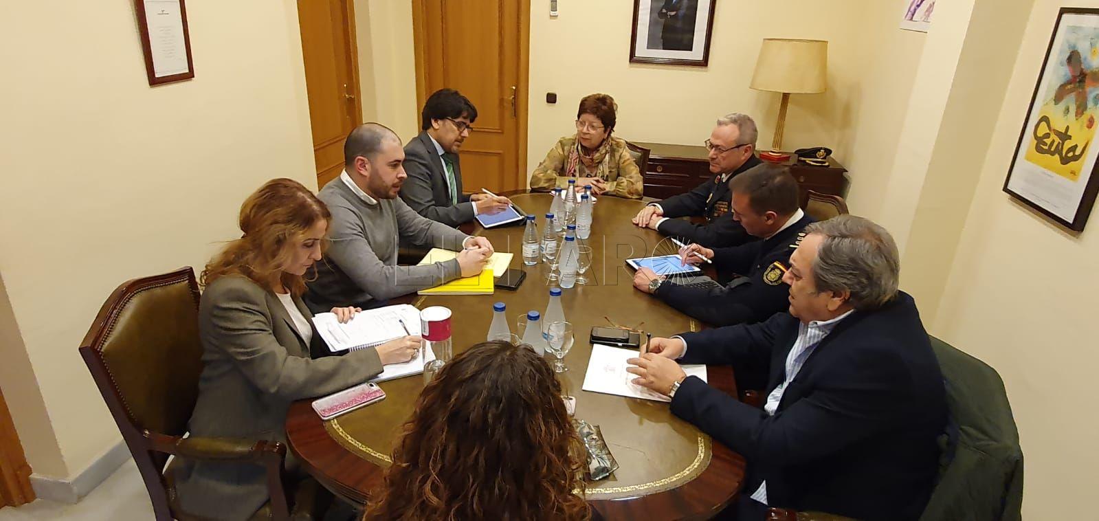 reunion-delegacion-extranjeria-titulos-viaje