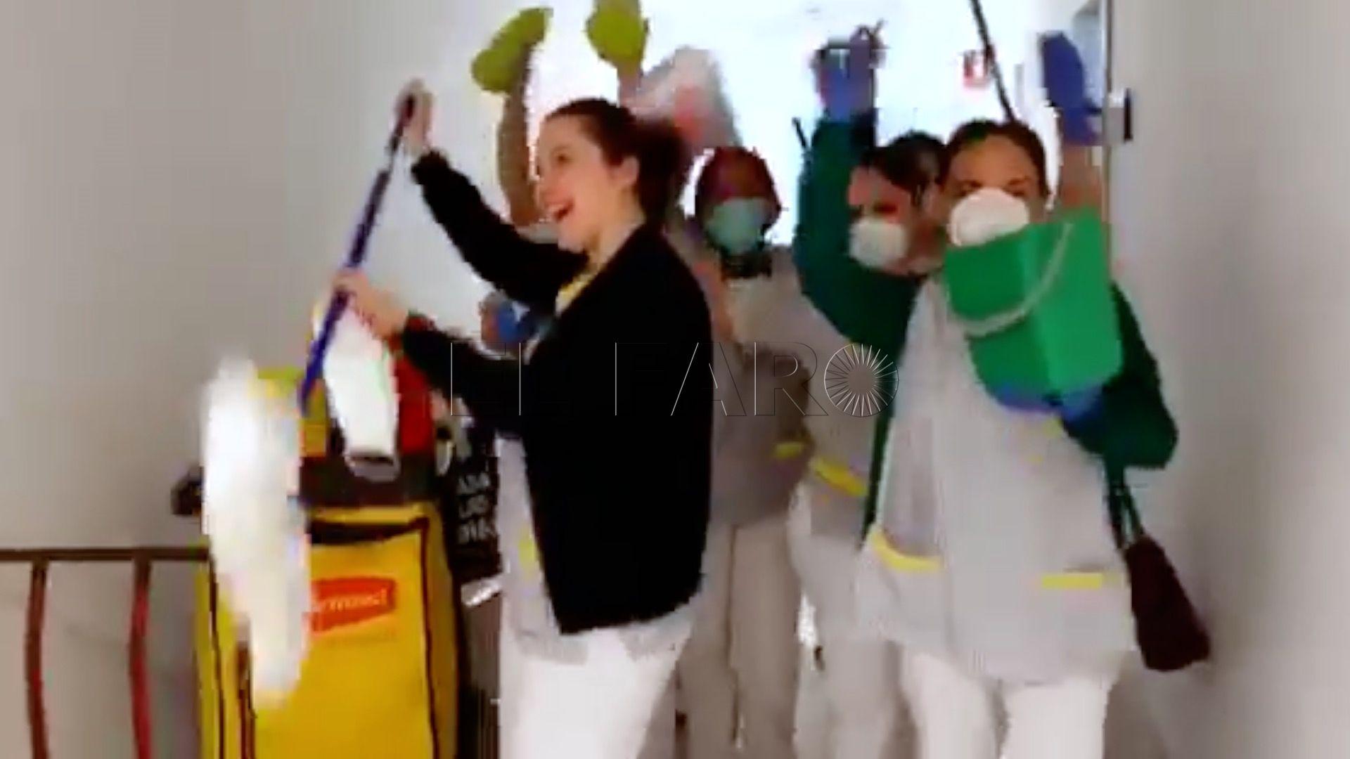 sanitarios_bailando_1