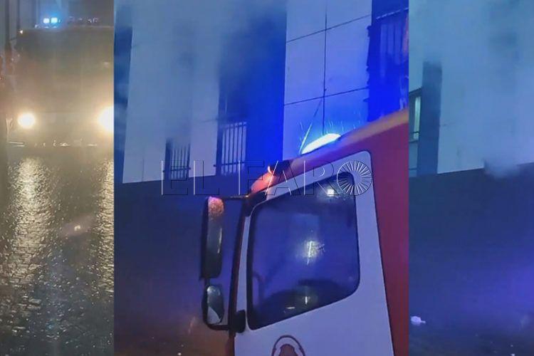 Desalojan el centro de La Esperanza después de que un menor quemara dos colchones