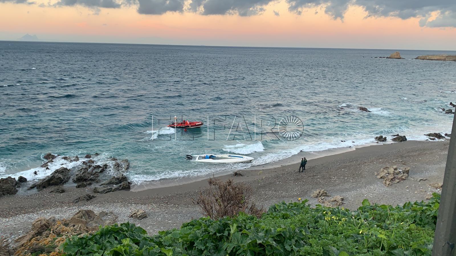 embarcacion-playa-santa-catalina-orilla