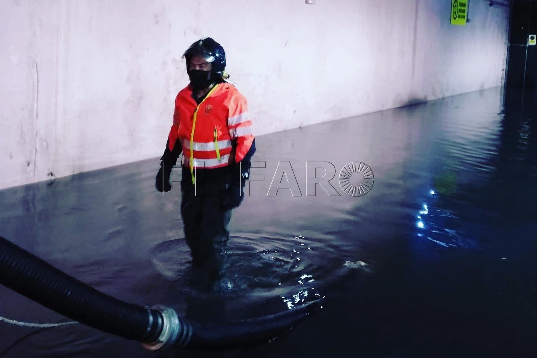 mercado-central-inundado-bomberos-2